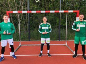 Nachwuchshandballer des DHfK mit VERBIO-Desinfektionsmittel zum Trainingsstart. Foto: SC DHfK